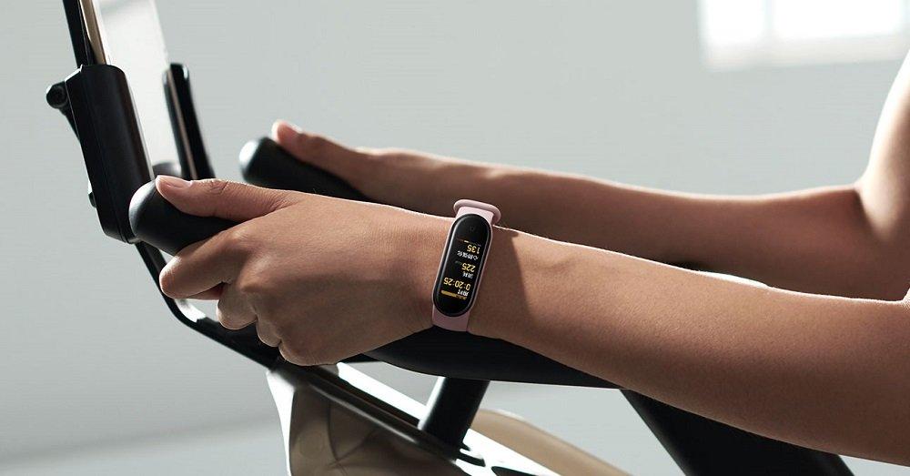 تفاوت دستبند سلامتی می بند 4 و می بند 5 چیست ؟ 4